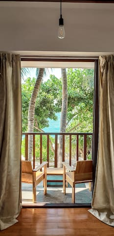 Thundi Guest House Sea View with Private Balcony