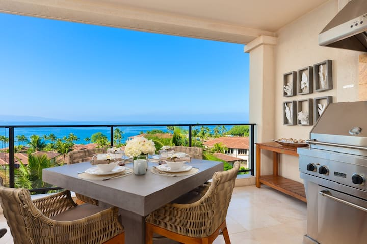 APRIL SAVINGS:VACATION IN YOUR OWN PRIVATE MAUI PARADISE! Modern Maui I404, Ocean Views!