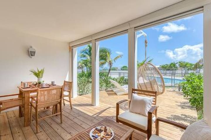Six View - Beach Front Appartement