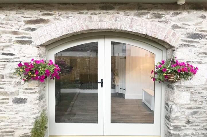 Rose Cottage entrance