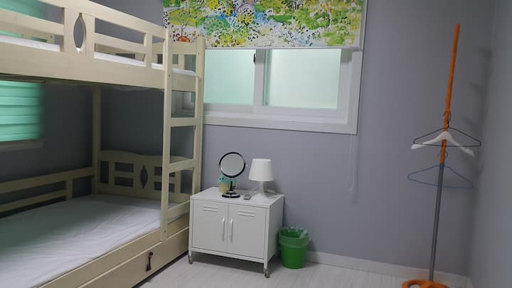 Cobe Guesthouse Twin Room + Extra Bed 외국인전용