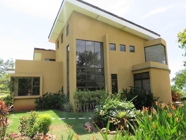 Casa Esterillos, Luxury Ocean View