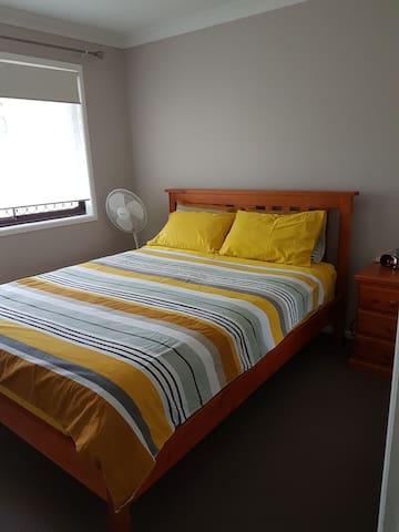 Comfy Queensize room