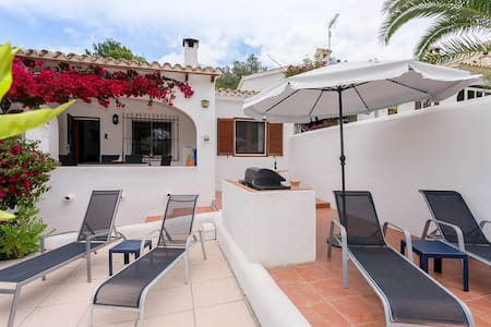 Central Moraira , excellent value, air con Wifi - Teulada - Domek parterowy