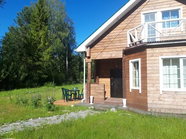 Загородный дом с удобствами в аренду посуточно