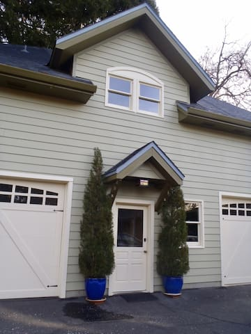 Beautiful  Carriage House on Estate lot in town