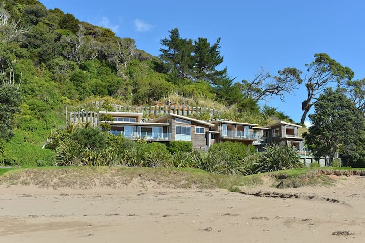 Luxurious house on the beach , Northland NZ