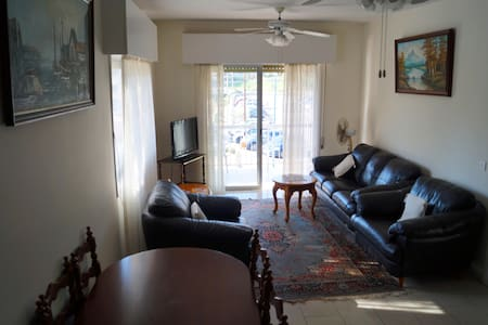 Apartment in the heart of Limassol's tourist area - Agios Tychon - Apartment - 1