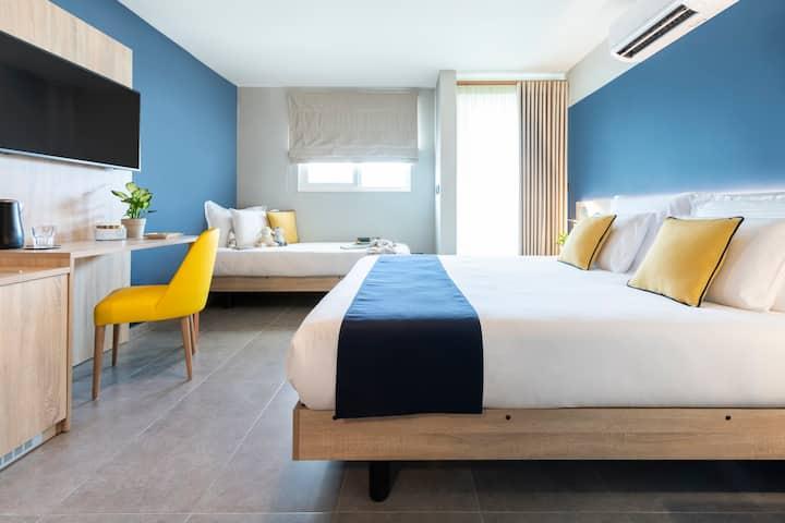 Antoniel Suites Triple Room
