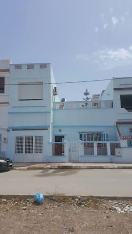 Très beau duplex au bord de la mers - Marsa Ben M'Hidi - Huis