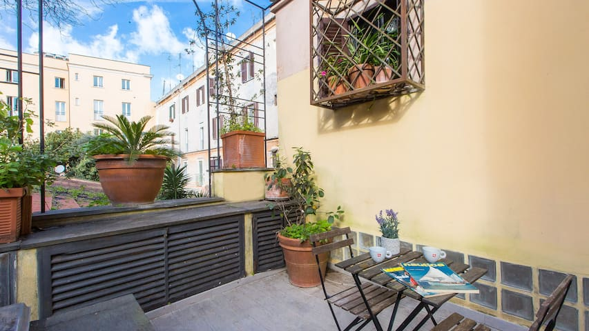 Loft with Terrace in heart of Trastevere