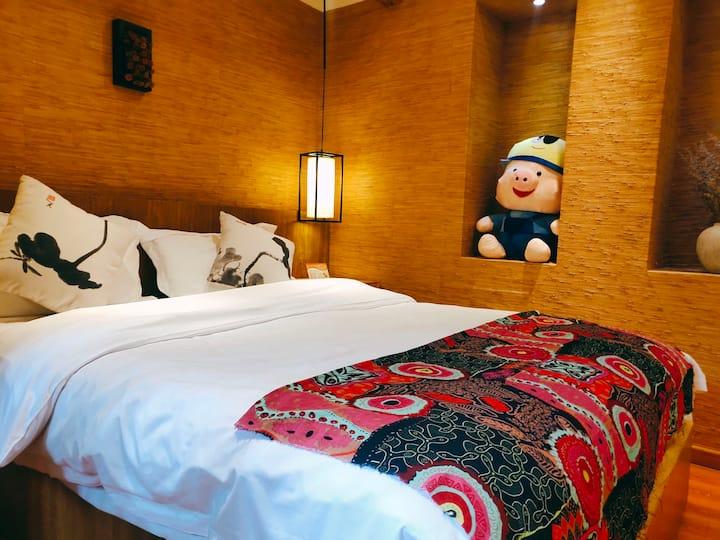 丽江古城~网红街、声声慢大床房,超大茶室免费喝茶、厨房.洗衣机、