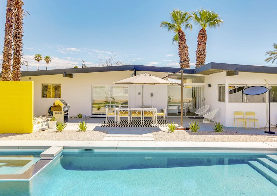 Sunhaus Modern Hugh Kaptur Mid Century Home Houses For Rent In Palm Springs California