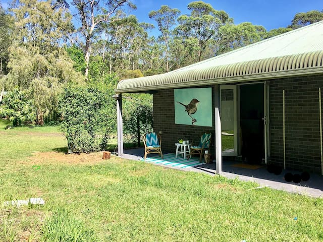 Private acreage apartment 'Wallaby Run'