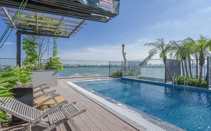 Studio Apartment with Rooftop Pool - 01