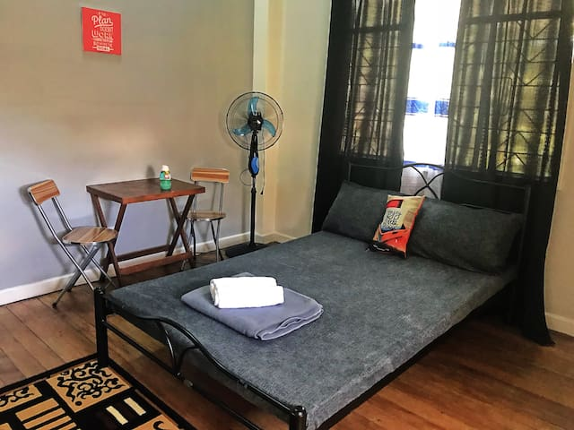 Bed and Breakfast Transient room near Burnham Rm 4