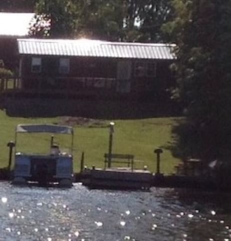 Lake Cabin -Swim, Fish, Boat,Ski Can Rent monthly