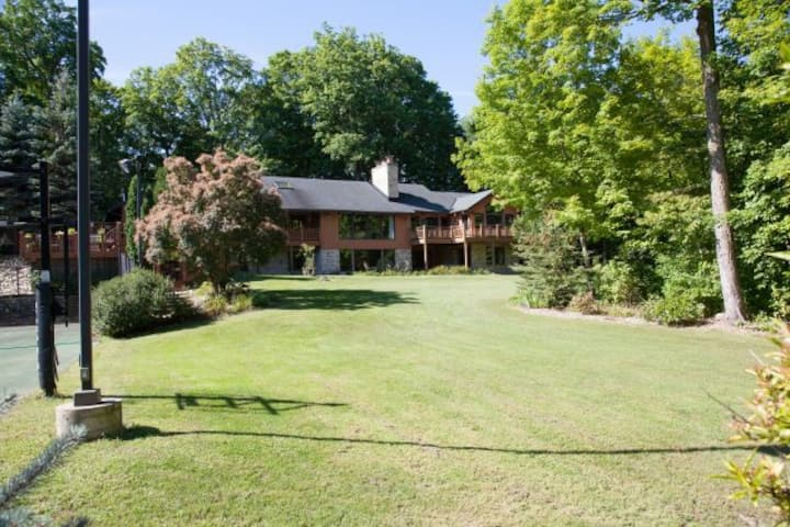 2017 US Open, West Bend Secluded Estate