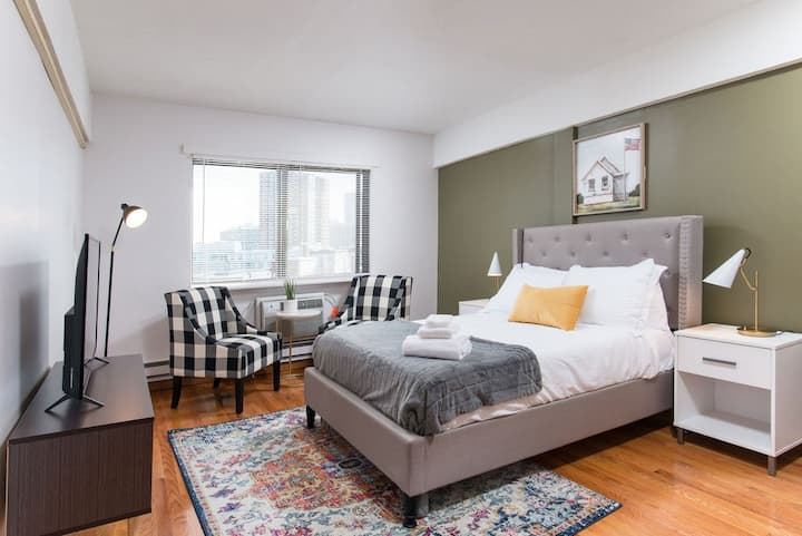 Chic & Comfort Boston Studio near Subway609