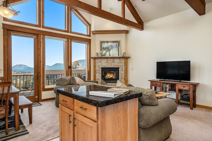 Jackstraw Mountain 32 - 2 Br condo with private hot tub, 2 fireplaces, Marys Lake and mountain views