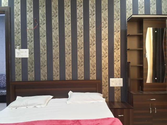 Standard Double Room AC near Aurangabad Railway Station