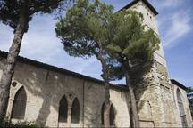 Perugia's oldest Franciscan church, the 13th century Chiesa di San Francesco delle Donne, with  museum and workshop of hand weaving, is just a few steps from the flat.