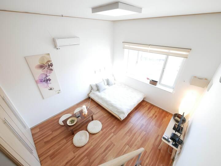 [Renovated Flat] DongDaeMun Banya Loft