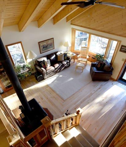 Moose room at Tonglen Lake - Denali National Park and Preserve - Hus