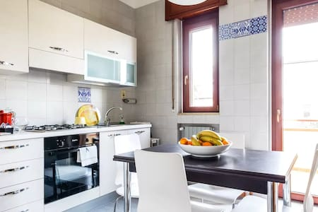 """""""Civico 19"""", Basic Home 5 minutes from Sassi"""