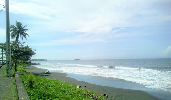 Ahonu beach valley