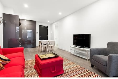 Large new apartment close to hospitals