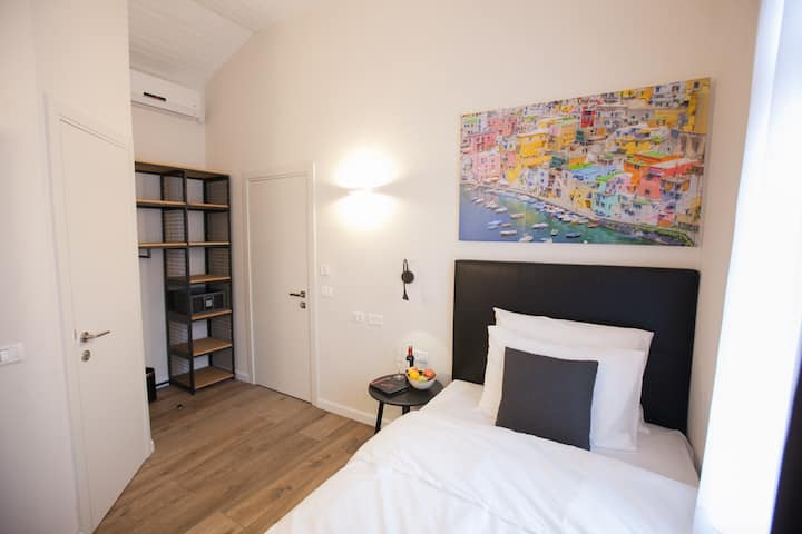 City Port Boutique Hotel - Cozy Single Room