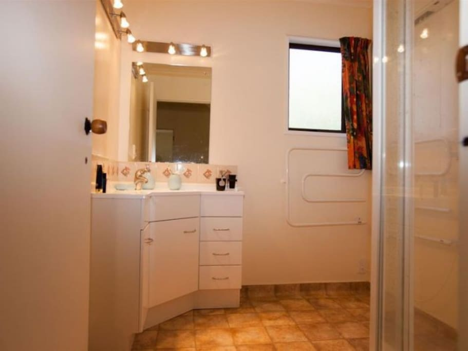 Siruis & Vega Suite rooms share a bathroom
