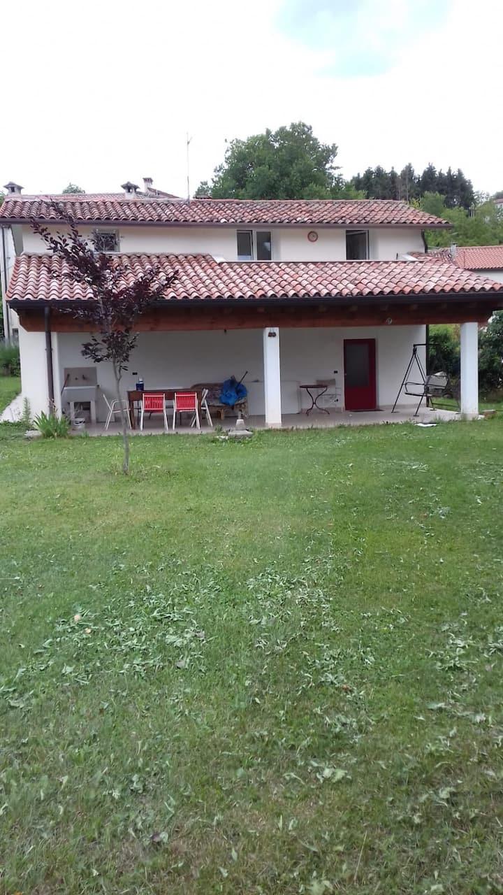 Casa singola immersa nel verde a Conco (vi)