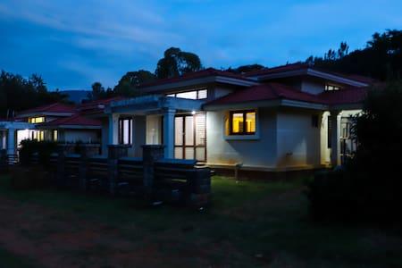 Oaks Villa 05