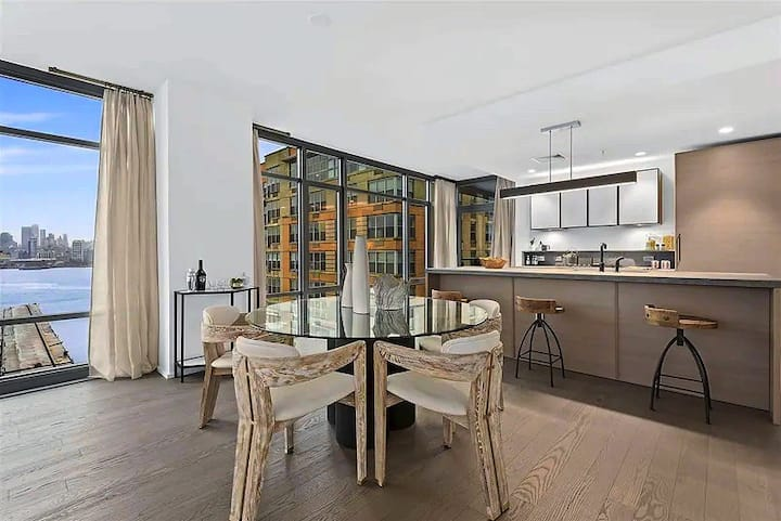 Hoboken Two bedroom Apartment with NYC views/ pool