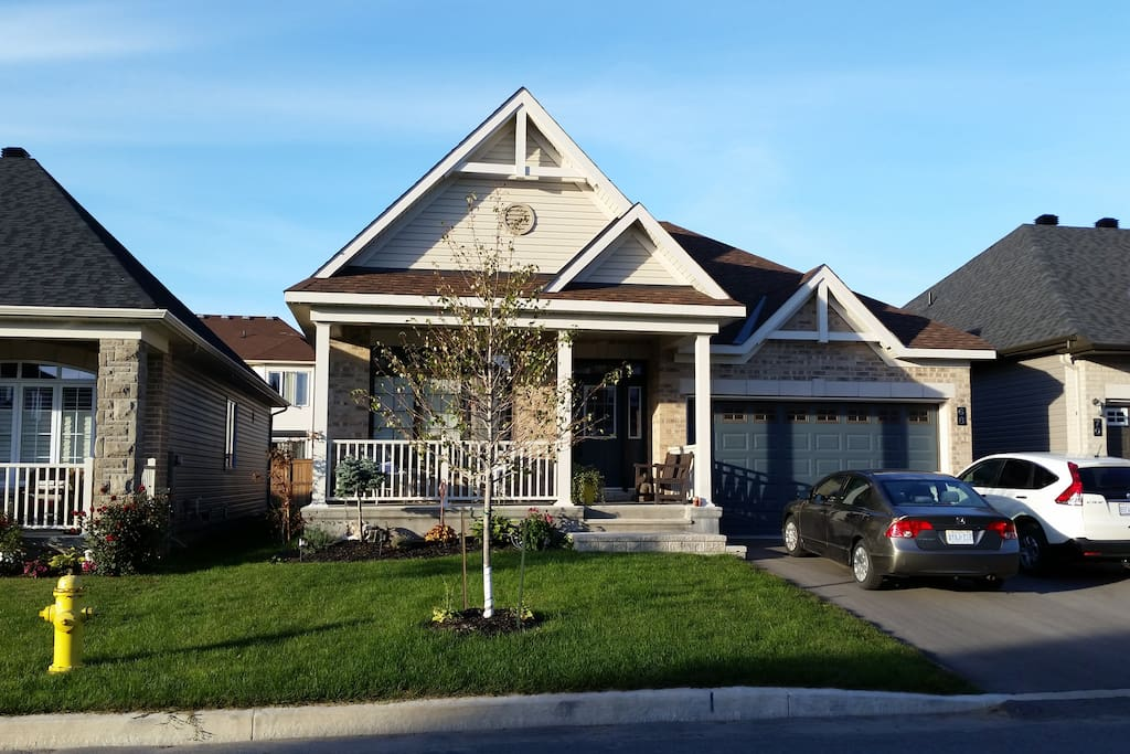Modern bungalow in canada s capital ottawa ontario for Canadian bungalow