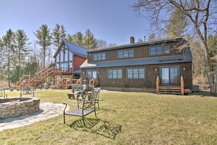 Timeless Red Sox Retreat w/ Scenic Mountain Views!