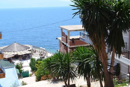 Best location for the view of the sea and Corfu. - Sarandë - アパート