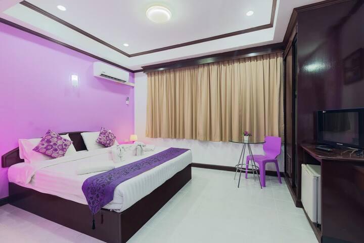 ⭐Majenta Shore Hotel 19BR Sleeps42 in Patong Beach