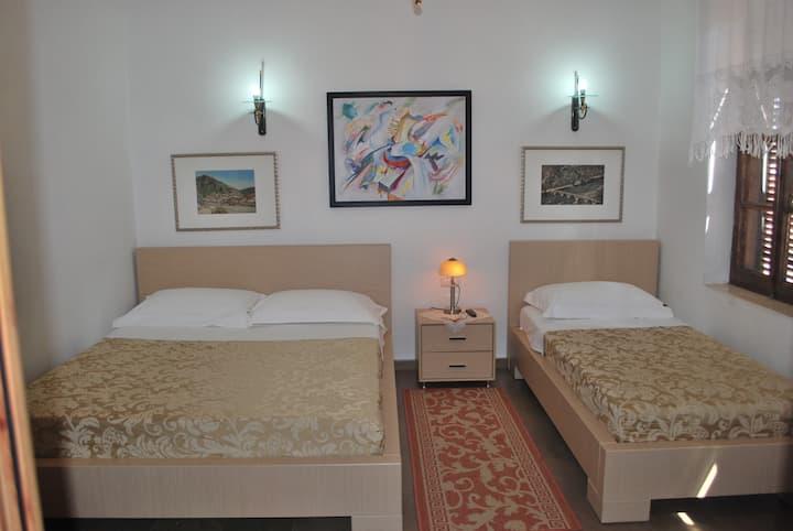 Hotel Osumi Room 4