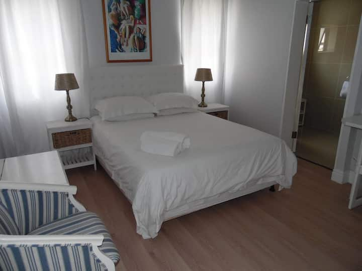 Double Rooms Albatross  Guest House