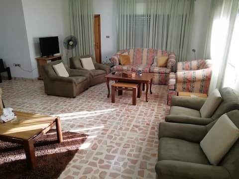 city center near to all markets and tourist areas2