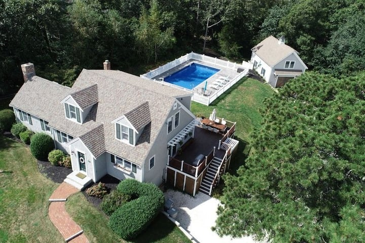 Luxurious Private Family Estate w Resort Amenities