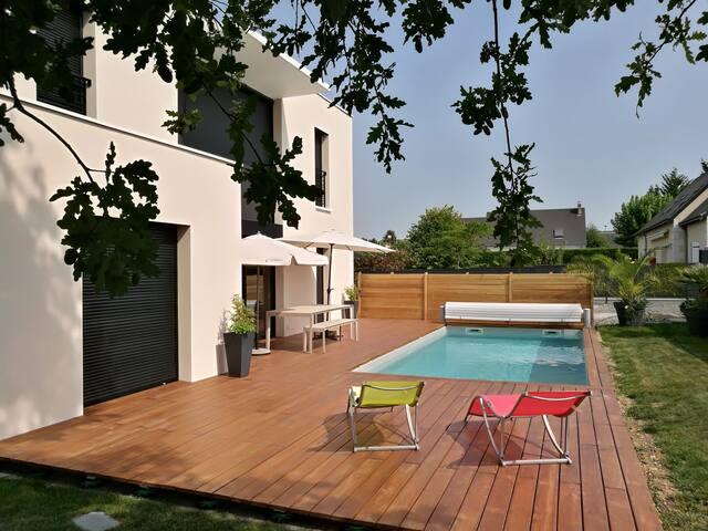 Chambres privées  maison moderne piscine chauffée