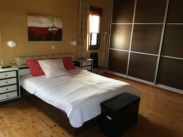 Private room, excellent location - Nicosia - Bed & Breakfast