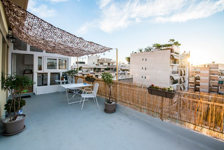 Rooftop studio -  heart of Athens - Atina - Daire