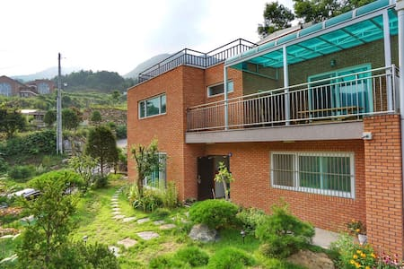 spacious house with good atmosphere - Namyangju-si - Casa