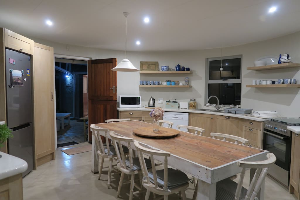 Newly renovated well-equipped kitchen (Kleinmond)