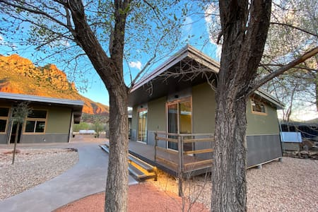 "Nama-Stay Cabin's 8/8 ""NEW"" Zion National Park"